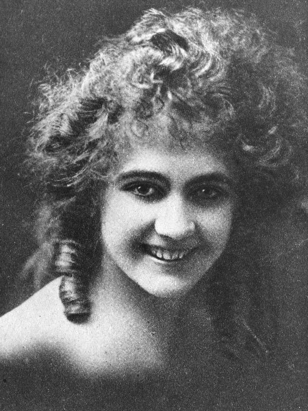 Violet Mersereau in The Little Terror (1917)